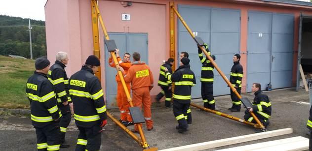 Jaderní hasiči trénují na zemětřesení