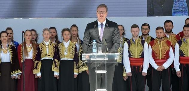 VIDEO Ohně a bordel v Kosovu. A projev prezidenta Srbska: Merkelová, Macrone, Putine, nebudeme ponižovat Srby! Proti NATO jsme bojovali čestně
