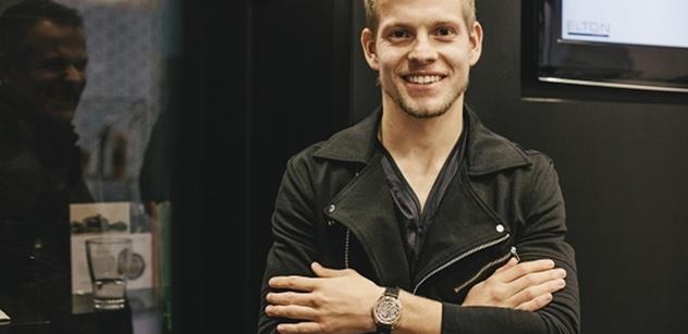 Český fotbalový talent nosí luxusní hodinky PRIM z růžového zlata
