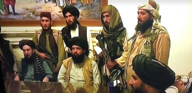 Po práci legraci. Svět se baví Talibanci v posilovně a na dětské atrakci