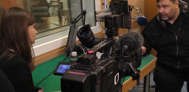 Sranda pokračuje: VIDEO Xavera s redaktorkou ČT se šíří. A budí rozruch