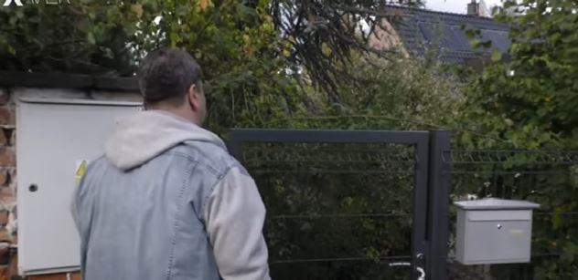 VIDEO Ústav nezávislé žurnalistiky, oblíbený zdroj redaktorů ČT. Xaver se tam vypravil a našel prázdnou chatu zarostlou kopřivami
