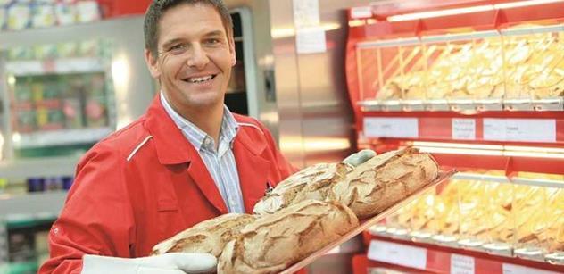 "Chleba zdražil o polovic. Míň prasat. ""Výhody"" členství v EU očima ekonomky"