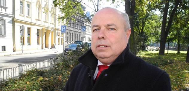 Ruský konzul v Ostravě září: Rodiče orientují děti na ruštinu, podpora Rusku trvá...