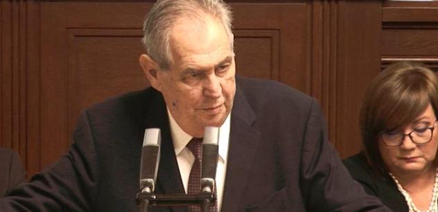 Prezident Zeman promluvil z tisku. Podpořil na Hrad oba Klause a potupil starostu Novotného