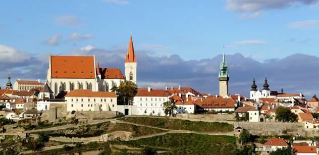 Znojmo: Loucký klášter se pyšní dalšími ručně vyrobenými okny