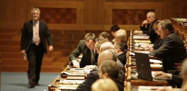 Senát má na programu důchodovou a zdravotnickou reformu