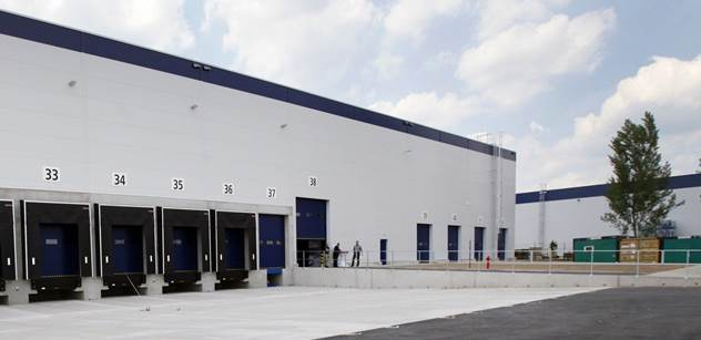 Raben otevřel svou největší a nejmodernější skladovací halu u Žebráku