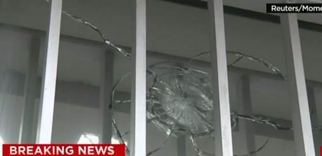 Odborník k příčinám útoku v Paříži: Symbióza špatných podmínek přistěhovalců a islámu dává vzniknout nové ideologii vzpoury