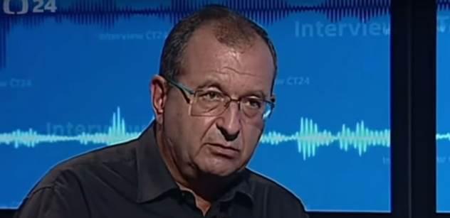 Útok Bakalova tisku na psychiatra Höschla. Jde o donášení na Ivana Havla