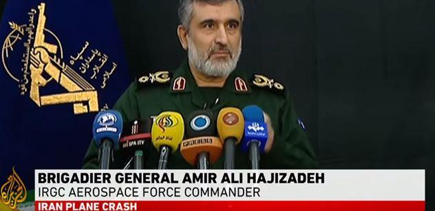 """Írán přiznal barvu: """"Letadlo jsme sestřelili."""" A už se to mele. Násilí v ulicích, důsledky"""