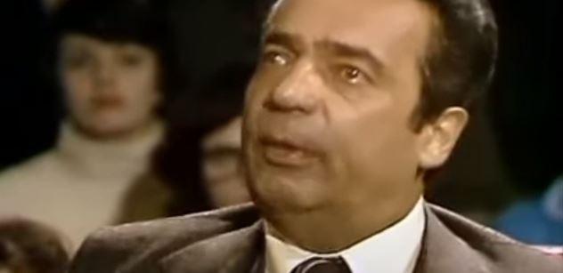 Konflikt, který zatřásl i StB. Na byt Vladimíra Menšíka v roce '77 zazvonil Landovský. Chtěl probrat věci. Menšík zareagoval tak, jak by dodnes nikdo neuvěřil