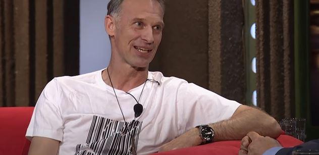 Facka lapačkou: Dominik Hašek sprostě okřikl Petra Fialu