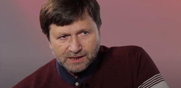 """""""Odporné."""" Jan Hrušínský málem praskl kvůli ČT. Hon na Zahradila. Ale ten odpověděl"""