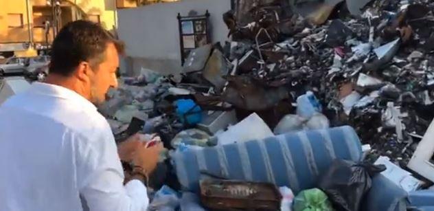 Kam se hrabe Slunečná. Čtyřminutové video zachycující odpadky v Kalábrii postavilo internet vzhůru nohama