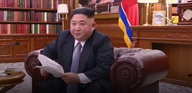 Kim Čong-un už v osmi letech řídil našlapanou V3Sku. Žárovku trefí na sto metrů.  Vychází kniha o dokonalém soudruhovi