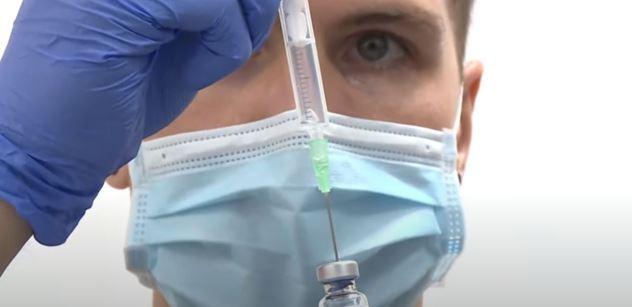 Muž znalý léčitelství varuje: Vir může rychle zmutovat do takové podoby, že vakcíny nepomohou. A bude smrtelně nebezpečný