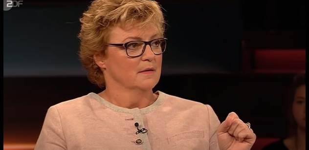 """Německou europoslankyni """"vyfakovali"""" z konference. Užuž byla na cestě, když ji zpražil slovenský premiér a Hohlmeierová musela zůstat doma"""