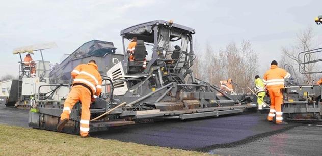 Autodrom Most: Začala pokládka nového asfaltu, velký závodní okruh autodromu ožije v polovině března