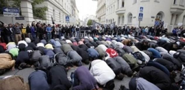 Britové zuří. Fotbalisté Saúdské Arábie odmítli uctít oběti masakru z Londýna. A podívejte, co k tomu prohlásil imám