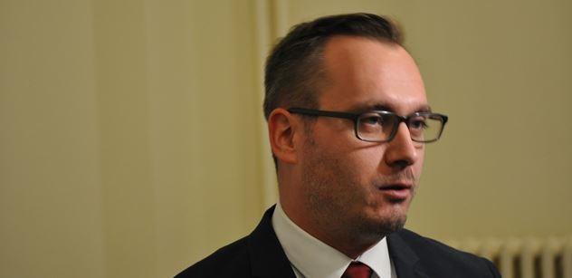 """Radikál Bartoš s odvoláním kvůli protižidovským textům neuspěl. """"Vítejte v totalitě,"""" hlásil před novináři. Soudit se chce dál"""