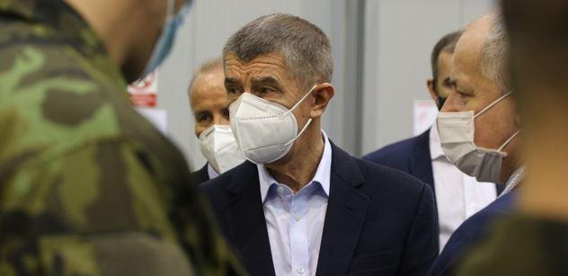 Premiér Babiš: Děkuji vojákům za rychlou stavbu záložní nemocnice
