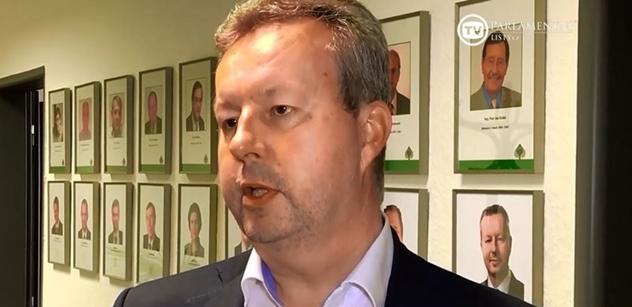 Ministr Brabec: Přeji panu Urbanovi, aby měl oporu ve svém vedení