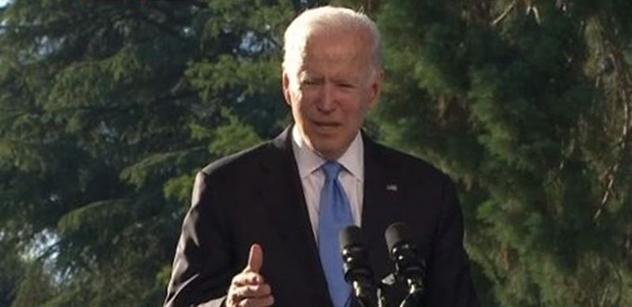 """""""Rusové nemohou diktovat."""" Biden se vysmál Putinově kritice, ale také chválil"""