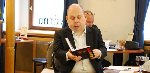 Cikrt pokřtil zásadní knihu ke kauze Diag Human. Prozradil, jak mu vyhrožovali