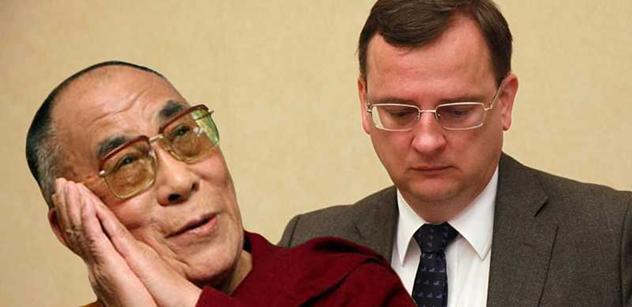 Schůzka Žantovského s dalajlámou? To Číňany naštvat nemohlo, myslí si poslanci