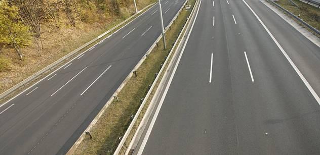 Do konce roku 2015 se asi nedokončí dálnice D11 a D8