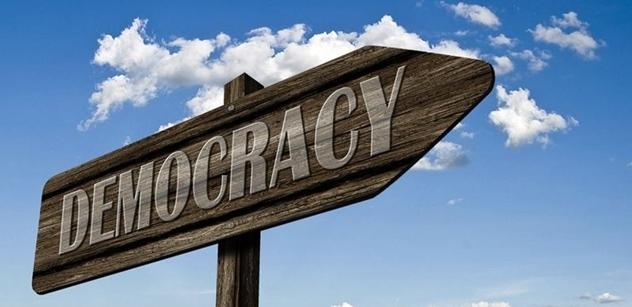 Růžena Chrasteková: Když falešní bojovnící za demokracii cupují demokracii na padrť