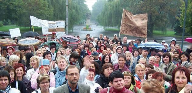 Ostravská demonstrace skončila dříve než začala. Změny platů nebudou
