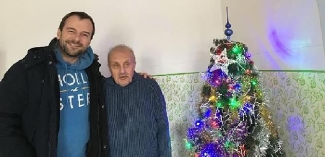I o Vánocích pomáhali dobrovolníci z Centra sociální a ošetřovatelské pomoci Praha 5