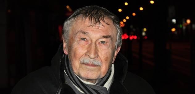 Válečný hrdina, profesor Doleček, byl se Zemanem v Moskvě. Máme jeho unikátní zápisky