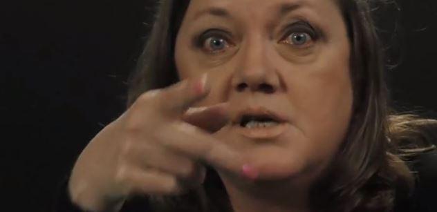 """Píšeš ho*na"", napsali veteránce ODS. A ona teď na kameru o Klausovi ml., Zemanovi a EU"
