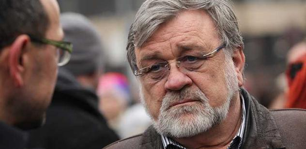 Ani v pekle by Václava Havla za ta zvěrstva nechtěli, soudí senátor