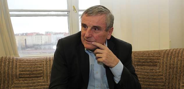 Bývalý odborář Dušek: Neslyšel jsem, že by chtěl Jurečka zachránit ekonomiku rozvojem pastevectví. Imigranti tu tedy nemají co dělat. Islám nepovažuji za náboženství