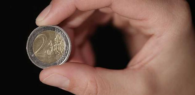 Černé na bílém. Porovnejte si minimální mzdu v ČR a v jiných zemích EU