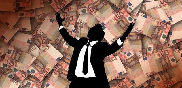 Petr Vlasák: Při rostoucí ekonomice by dluh neměl růst vyšším tempem