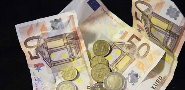 Hybaj do banky, občane. Všechno odevzdat, plánuje EU. Vše vám seberou, budete rukojmím státu, varuje Pavel Kohout a naznačuje zlou věc