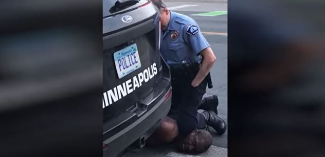 VIDEO Rasová válka v USA. Totální chaos. Policie? Nikde. Braň se, jak umíš