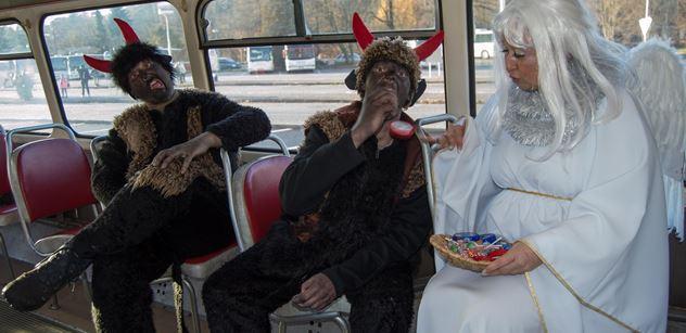 BusLine opět vypravil v Turnově a Jablonci nad Nisou tradiční čertovské autobusy