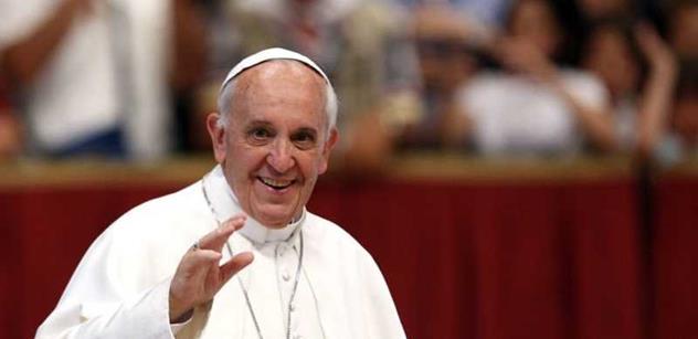 Papež František přiznal, z čeho mrazí. A rozhovořil se o globalizaci, válkách, uprchlících i terorismu