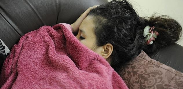Deprese v čase koronaviru. Objevují se varovné zprávy. Odborník promlouvá