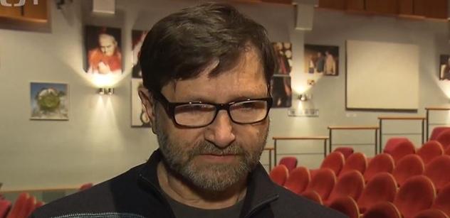 """""""J*blo mu. Zešílel."""" Jan Hrušínský bude koukat, kdo ho kárá. A on sám? Jede dál! Koukejte"""