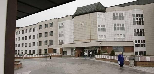 Server spekuluje, že firma napojená na Janouška vydělávala v IKEMu