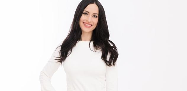 Alex Mynářová promluvila. O práci pro Hrad, kariéře veřejnoprávní novinářky i o charitě pro děti