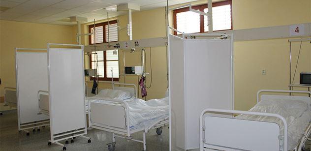 """Další """"zmizelí"""" nemocní s covidem. Statistici škrtli 42 hospitalizovaných"""