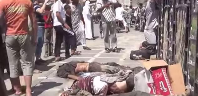 Přednášející: Humanitární bombardování je nesmysl. Na kusy roztrhá děti, svatbu i pohřeb. Díky útoku USA teď stoupne nenávist. Vojáci utíkají před Islámským státem
